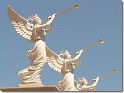 ラッパを吹く天使たち